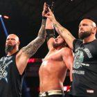 AJ Styles est très mécontent de la sortie de la WWE de Luke Gallows et Karl Anderson