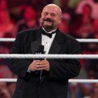 Le monde de la lutte réagit au décès du légendaire annonceur du ring de la WWE, Howard Finkel
