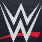"""CBS All Access """"https://popculture.com/"""" Tooning Out the News 'se moque de la classification des entreprises """"essentielle"""" de la WWE"""