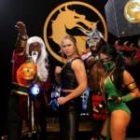 Nouvelles WWE: Zelina Vega joue Mortal Kombat 11, Bella Twins assiste à une exposition de vins, le mari de Ronda Rousey part à la chasse à l'ours