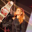 RUPTURE: Becky Lynch annonce une grossesse et cède le titre à une nouvelle championne