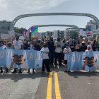 La WWE Titus O'Neil et Dave Bautista ont animé la Love Walk de Tampa