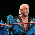 Ric Flair se souvient d'avoir tenté de sortir du match avec Vince McMahon après avoir perdu confiance en lui