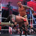 Randy Orton bat Edge dans le `` plus grand match de catch de tous les temps ''