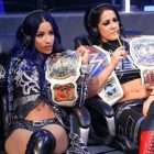 Sasha Banks de la WWE et Sammy Guevara de AEW Trade Shots sur Twitter