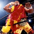 Hulk Hogan, membre du Temple de la renommée de la WWE, rend hommage à Regis Philbin