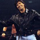L'ancien directeur général de la WWE, Eric Bischoff, révèle que les lutteurs ont été obligés de voler dans des avions séparés