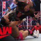 """Angel Garza se souvient que Randy Orton lui avait dit de """"retirer sa tête de son A--"""""""