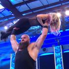 Braun Strowman révèle un nouveau look chauve avant d'attaquer Alexa Bliss sur WWE SmackDown