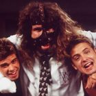 La WWE Mick Foley se penche sur les masques faciaux après avoir parlé de l'expérience du dépanneur en Floride