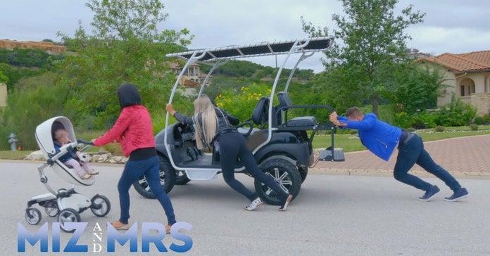 Miz-et-Mme-Marjo-Golf-Cart