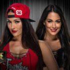 WWE News: Les Bella Twins partagent une vidéo d'une séance photo avec leurs bébés, un aperçu de la chronologie présente le rocher rejoignant la nation de la domination