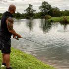 """L'ancien WWE Dwayne 'The Rock' Johnson trouve le temps de s'évader ce week-end - """"My Heaven"""""""