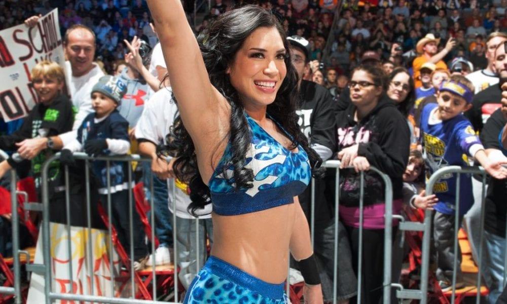 Melina dit qu'elle n'a pas signé de contrat avec la WWE