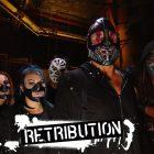 RETRIBUTION fait ses débuts dans le ring sur WWE Raw en tant que SLAPJACK, MACE & T-BAR ... Oui, sérieusement