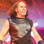 Le président de l'AEW, Tony Khan, publie une déclaration disant que Matt Hardy n'a pas de commotion cérébrale