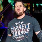 Wade Barrett dit que la superstar de `` Friday Night SmackDown '' a mis fin à sa carrière dans le ring