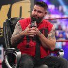 Kevin Owens commente le fait que la WWE organise peut-être des émissions avec des fans pendant la pandémie COVID-19