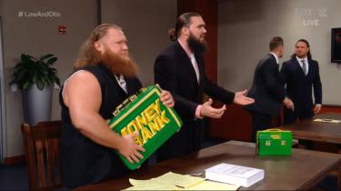 Le juge JBL se prononce contre Otis dans une affaire judiciaire sur WWE SmackDown