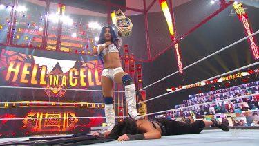 Sasha Banks traverse l'enfer pour devenir la championne féminine de SmackDown