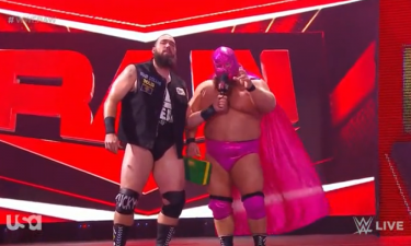 Un homme mystérieux a fait ses débuts en tant que nouveau partenaire de l'équipe de Tucker sur WWE Raw