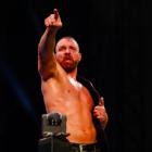 Jon Moxley renvoie à Cody pour avoir qualifié le titre TNT de plus important, parle d'être le champion pendant l'ère COVID, comment il espère un jour concourir dans la division AEW Tag