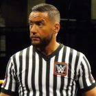 L'arbitre de la WWE Drake Wuertz publie une déclaration après avoir été accusé de soutenir le complot de Proud Boys et QAnon
