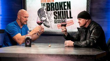 Le participant au match d'échelle de la WWE NXT révélé, The Undertaker et Steve Austin dégustent un vin de la WWE (vidéo)