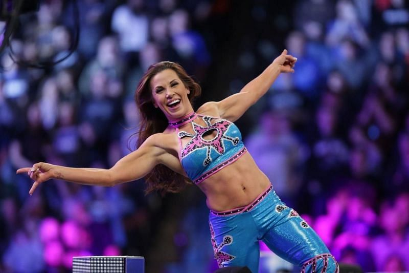 While Mickie James has high praise for WWE