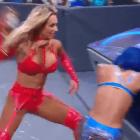 Carmella obtient une nouvelle musique et une nouvelle entrée, une bouteille de vin écrasée sur Sasha Banks pendant WWE SmackDown
