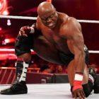"""Vince McMahon considère Bobby Lashley comme """"plus une star"""" que les autres stars de la WWE"""