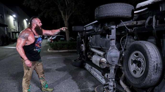 Strowman a renversé une camionnette avec Miz et Morrison à l'intérieur