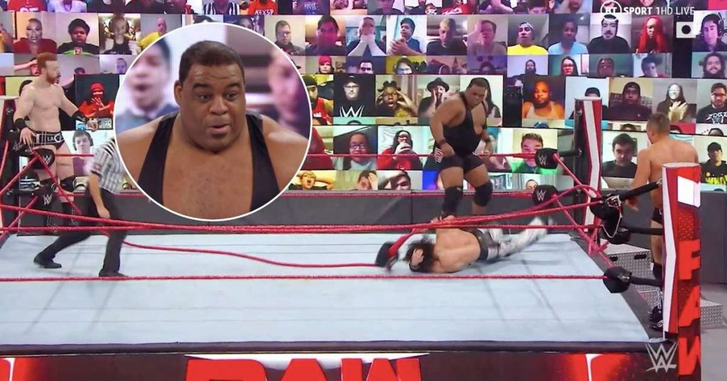 WWE News: Keith Lee brise accidentellement le ring sur RAW avec une éclaboussure brutale dans le ridoir
