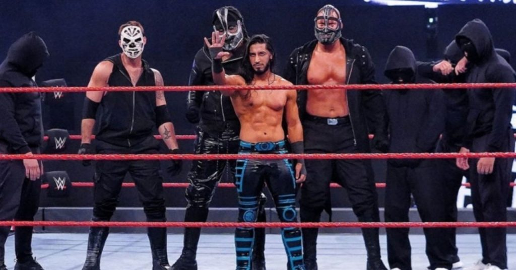 Mustafa Ali et Mace Blast de Retribution Hall of Famer de la WWE sur Twitter