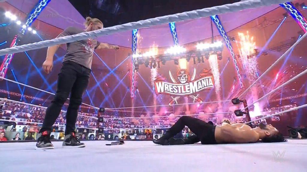 Edge choisit Roman Reigns pour faire face à WrestleMania 37 pour le championnat universel