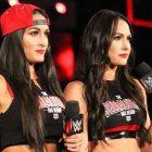 """""""Vous n'avez jamais changé"""" - Les Bella Twins font l'éloge de l'ancien champion de la WWE"""