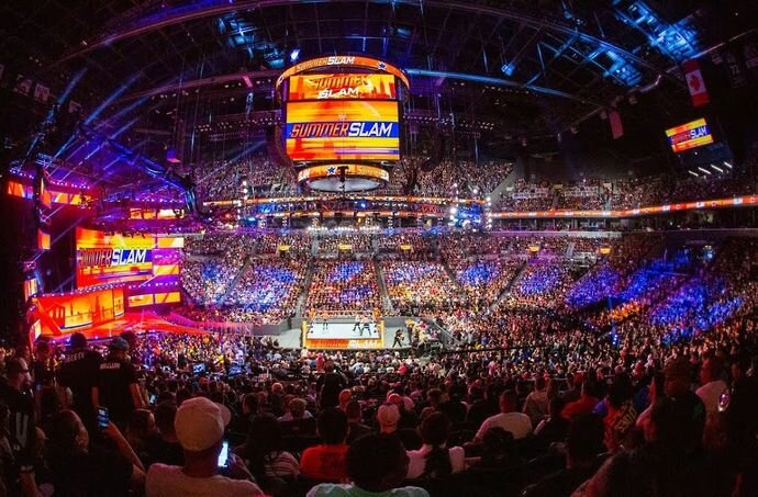 La WWE veut une foule pour SummerSlam
