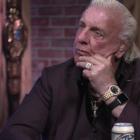 «J'ai eu cette énorme attitude» - Deux fois le Hall of Famer de la WWE s'excuse publiquement auprès de Ric Flair pour les problèmes du passé