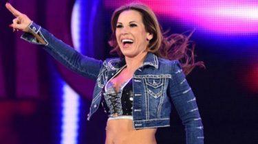 Mickie James dit que la WWE a déclaré que la lutte féminine ne rapportait pas d'argent