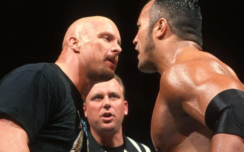 Seth Rollins dit que Steve Austin était plus grand que le rocher
