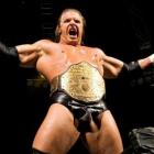 """""""Triple H l'a beaucoup poignardé dans le dos"""" - Bret Hart dit que Triple H a saboté la carrière de l'ancienne superstar de la WWE"""