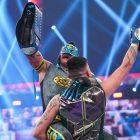Les Mysterios discutent de la victoire des champions par équipe de la WWE