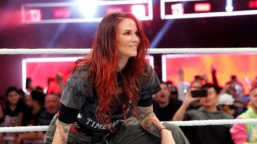 Lita révèle qu'elle a presque quitté la WWE pendant l'angle avec Edge et Matt Hardy