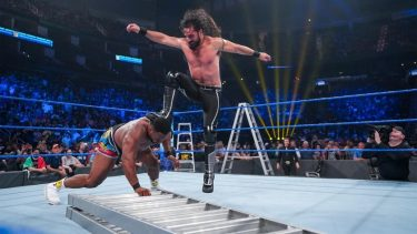 Fox 'WWE Friday Night SmackDown' gagne avec Live Crowd – Date limite