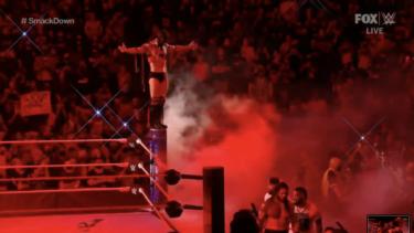 Résultats, récapitulation et notes de WWE SmackDown: Finn Balor attaque Roman Reigns après un événement principal surprenant