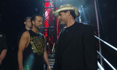 Shawn Michaels a organisé de récents événements WWE NXT avec Triple H Down