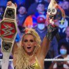 Charlotte Flair conserve le championnat féminin brut et détruit Lilly