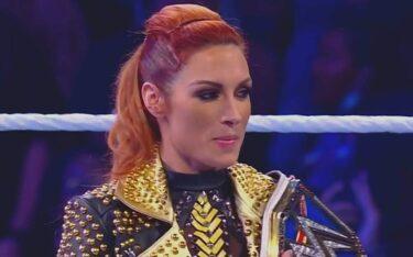 Le vestiaire de la WWE se tient derrière Becky Lynch après la confrontation avec Charlotte Flair