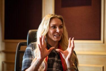 Rapport : les superstars de la WWE soutiennent Becky Lynch après la rumeur d'une confrontation avec Charlotte    Rapport du blanchisseur