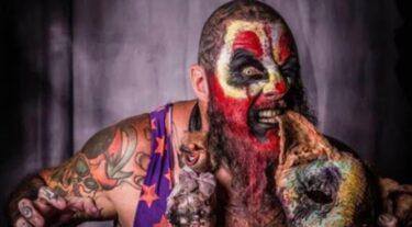 "Sinn Bodhi (ancienne star de la WWE Kizarny) apparaîtra dans ""Fool Us"" de Penn & Teller sur le réseau CW"